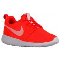 Nike Roshe One Gesamt Crimson/Weiß Damenschuhe
